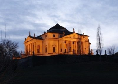 villa la rotonda almerigo capra by andrea palladio located in Vicenza, recognized as a UNESCO World Heritage Site