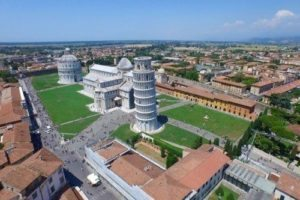 Pisa field of miracles, where four buildings form one of the finest architectural complexes in the world. The splendid cathedral, the leaning tower, the baptistery and the burial ground (camposanto).