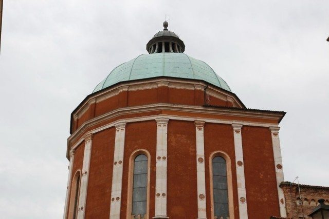 Dome of the Cathedral by Palladio in the historical center of Vicenza. Walking tour, day tour with professional guide by Sightseeing in Italy