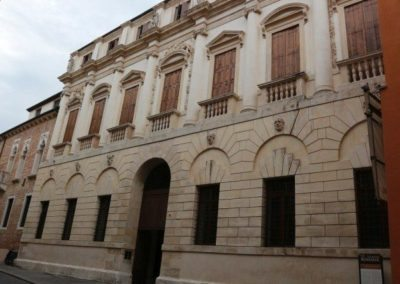 Iseppo Da Porto palace by Andrea Palladio, city tour with Sightseeing in Italy.