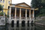 Loggia Valmarana by Andrea Palladio, in the historical center of Vicenza. Walking tour, day tour with professional guide by Sightseeing in Italy