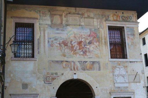 Asolo frescoed façade
