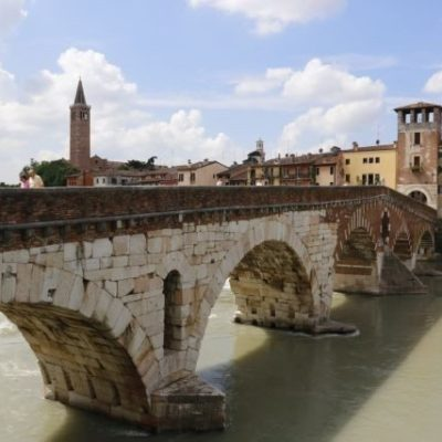 Stone bridge Verona half day guided walking tour