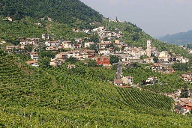 Prosecco medieval village day excursion