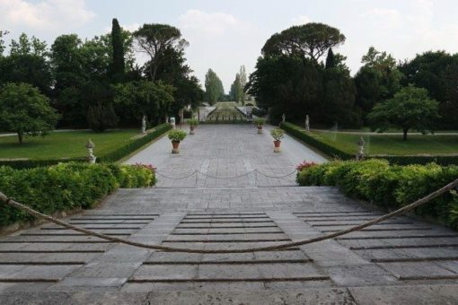 Villa Emo entrance view