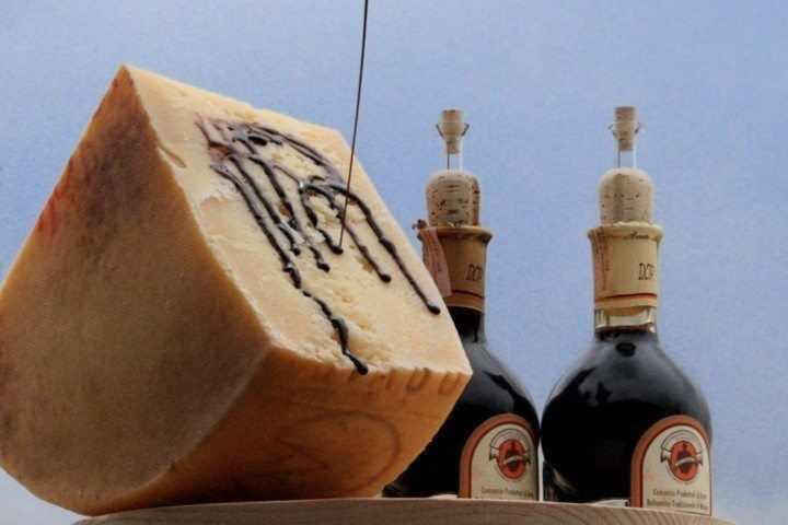 Wine food Emilia Romagna balsamic vinegar