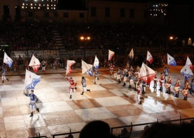 Chess game Marostica flag wavers