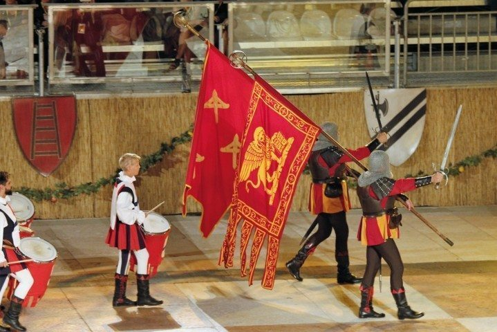 chess-square-marostica-parade