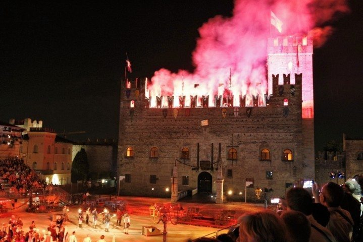 lower-castle-marostica-firework
