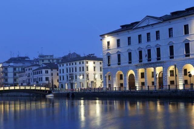 Trévise ville médiévale fortifiée de la Vénétie, à visiter lors d'une excursion d'une journée