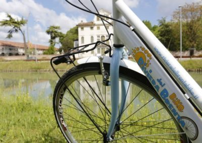 Brenta riviera Veneto cycle routes, day excursion to visit venetian villas and the mainland of Venice along a bike path