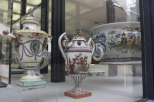 Ceramic Nove museum handicraft Veneto day tour, to visit during an excursion with professional driver, sightseeing in Italy