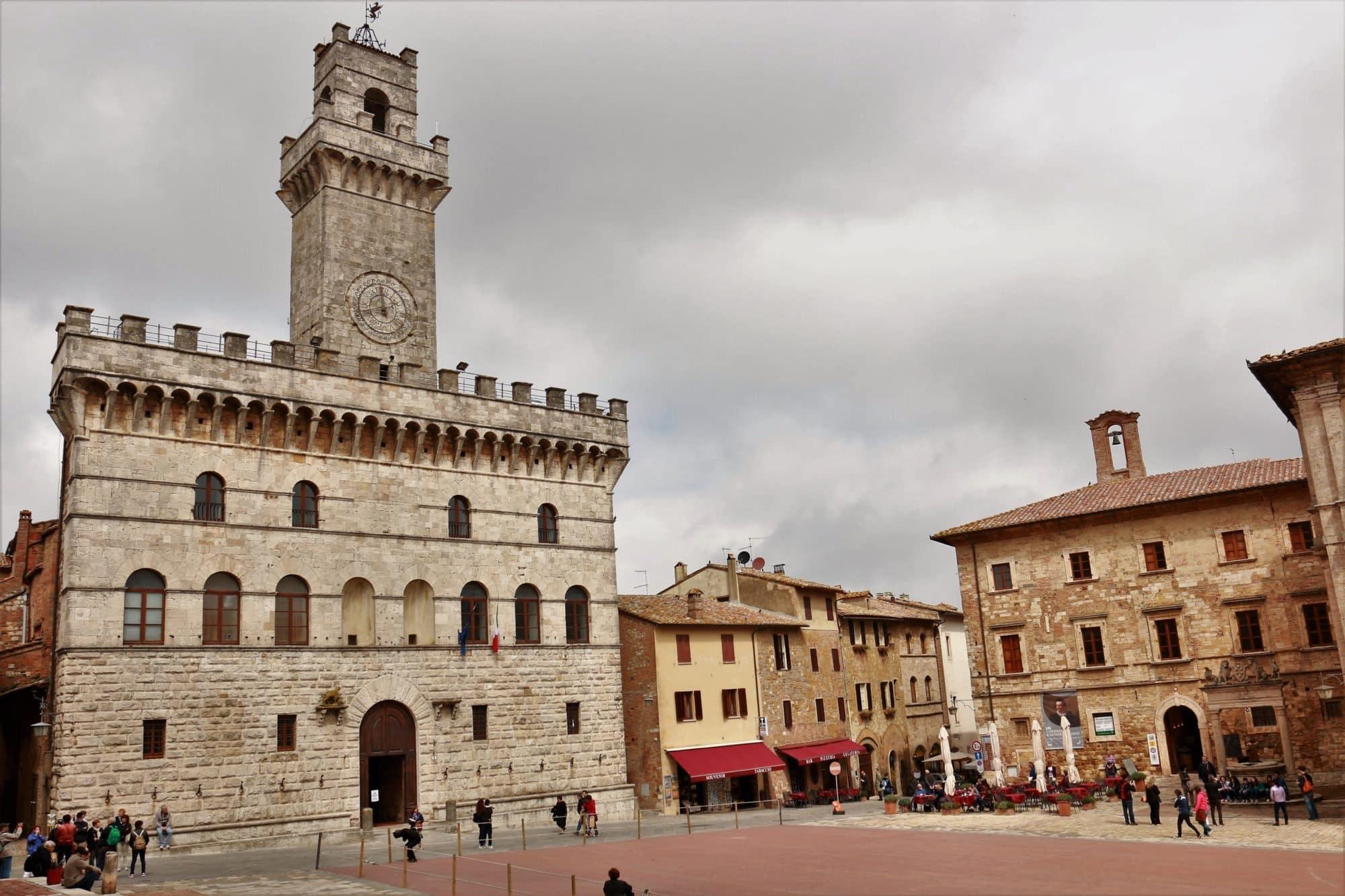Montepulciano Palais communal randonnée journalière à thème avec chauffeur professionnel