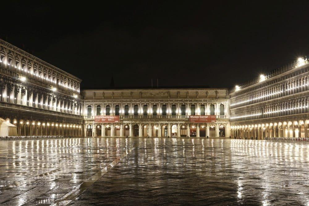 Venise place Saint Marc randonnée nocturne à pied avec guide professionnel