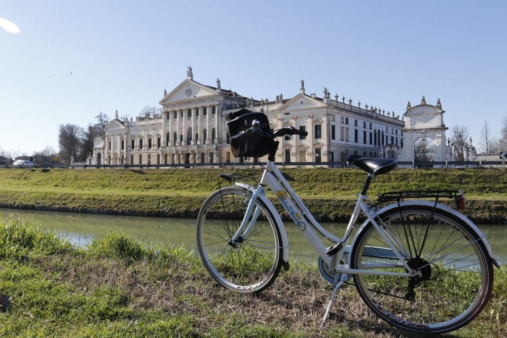 Brenta waterway, bicycle day excursion to visit Venetian villas and have a wine tasting