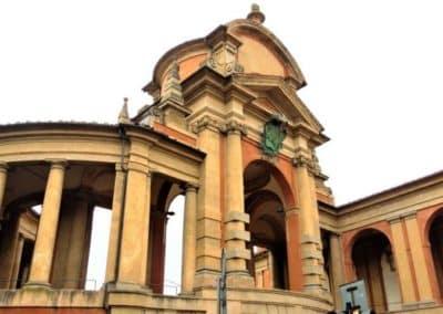Portique du Meloncello, voie pour le sanctuaire de San Luca de Bologne, randonnée à pied en Émilie-Romagne