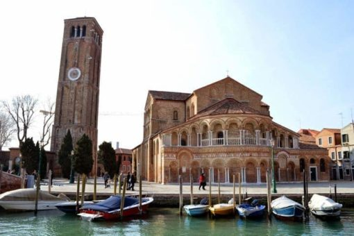Murano church Venice lagoon day excursion, with guided small group to visit with Burano, Torcello and the archaeological museum of Altino. with Sightseeing in Italy