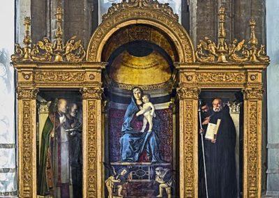 Pesaro Triptych, basilica di Santa Maria Gloriosa dei Frari, Venice. painting by the venetian artist of the Renaissance Giovanni Bellini