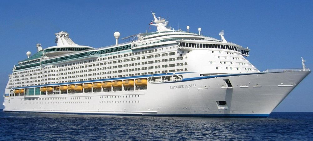 Cruise ship journey in Italy, shore excursion with professional English speaking driver