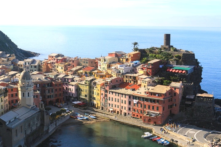 Vernazza, 5 Terre, private day excursion with professional driver from Florence